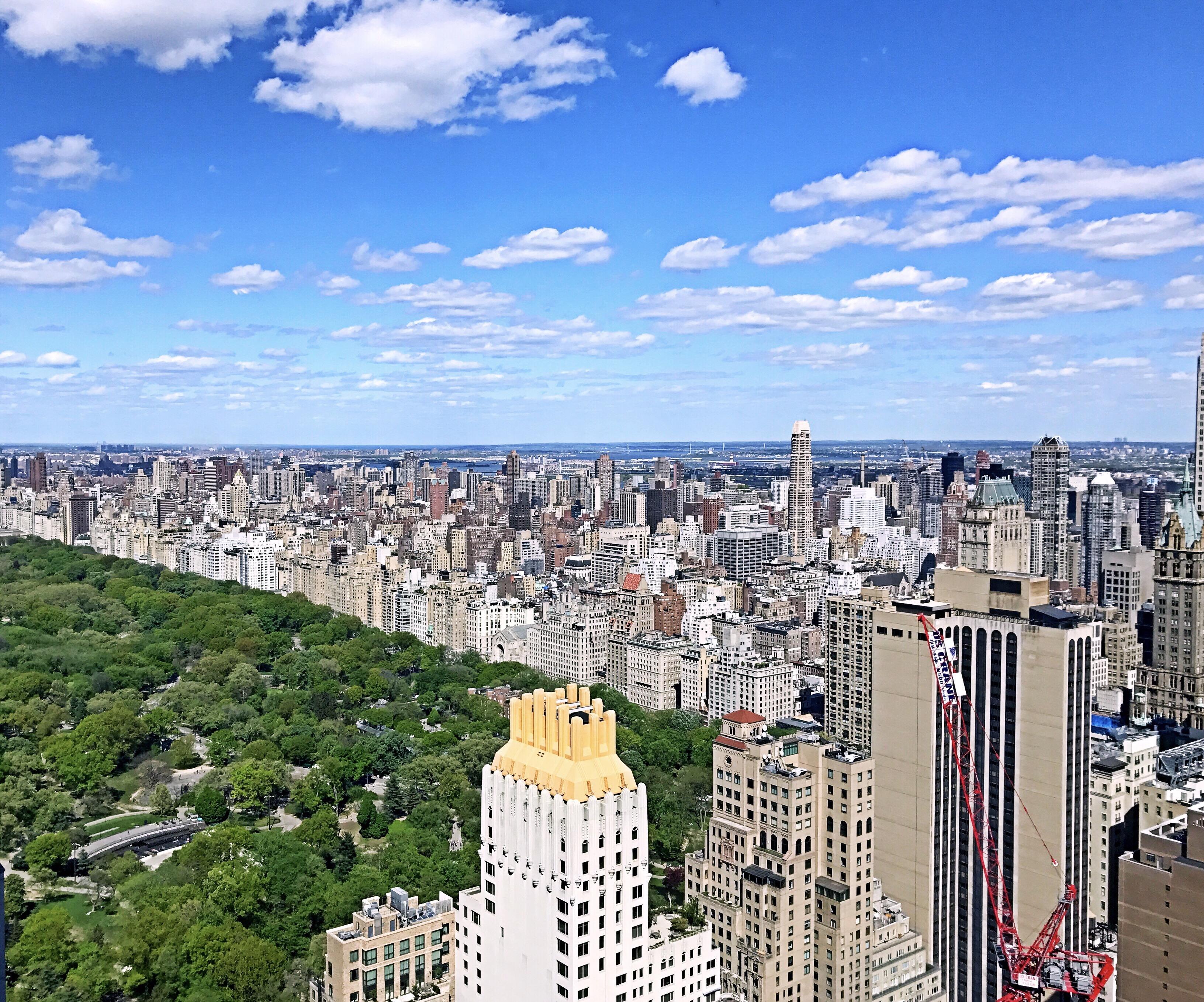 《天堂曼哈顿》 4月摄于曼哈顿之巅